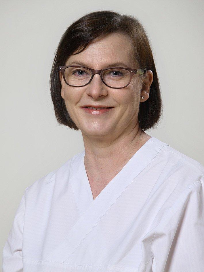 Kaisa Mäki, hammashoitaja