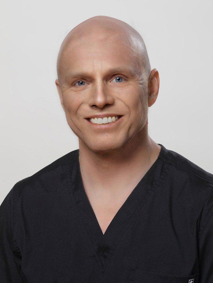 Teemu Tirri, hammaslääkäri